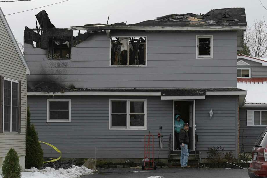 The house at 33 Clinton Court sustained severe damage from an early morning fire  Monday Nov. 21, 2016 in Stillwater, N.Y. (Skip Dickstein/Times Union) Photo: SKIP DICKSTEIN / 20038899A