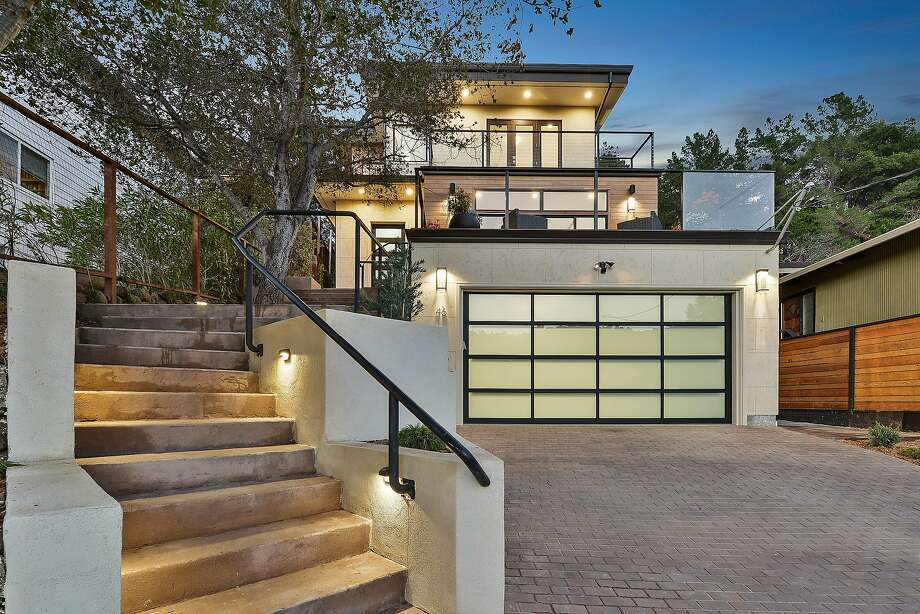 46 Roslyn Ave. in San Carlos is a newly built luxury home offering four bedrooms and designer finishes throughout. Photo: Open Homes Photography