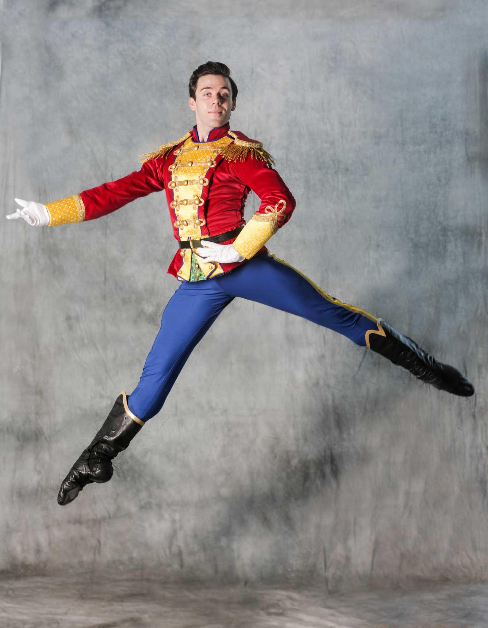 Houston ballets new nutcracker loses a star dancer sfchronicle solutioingenieria Images