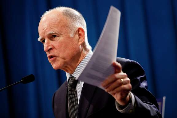 SACRAMENTO, CA - OCTOBER 27:  California Governor Jerry Brown announces his public employee pension reform plan October 27, 2011 at the State Capitol in Sacramento, California.  Gov. Brown proposed 12 major reforms for state and local pension systems thathe claims would end abuses and reduce taypayer costs by billions of dollars.