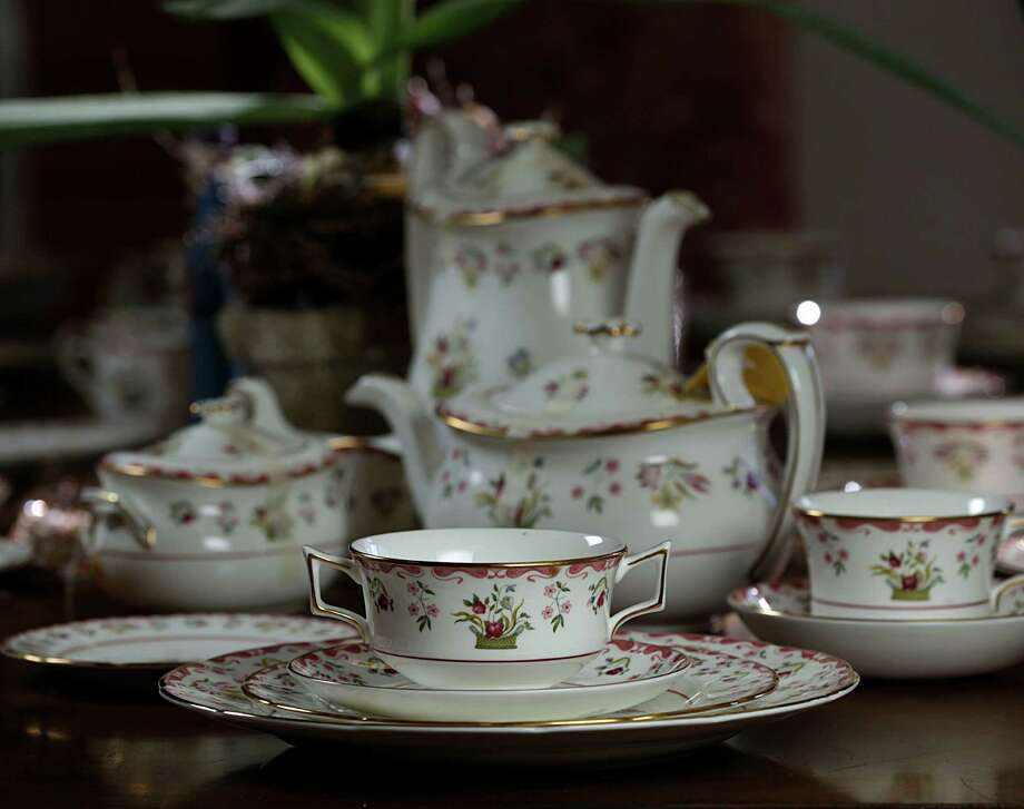 A set of Wedgewood Williamsburg china for sale at Bluebird Circle Resale Shop Nov. 12, 2016, in Houston. ( James Nielsen / Houston Chronicle ) Photo: James Nielsen, Staff / © 2016  Houston Chronicle