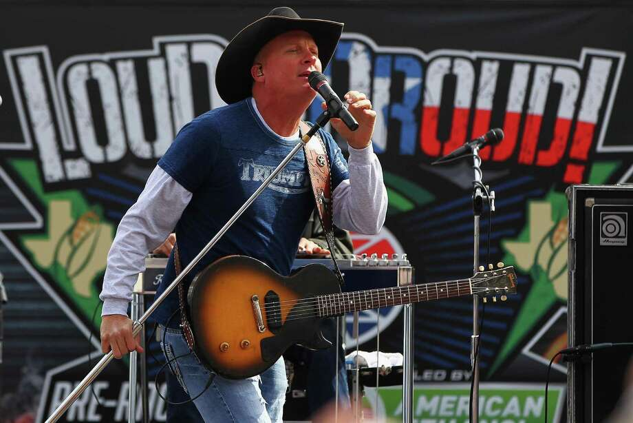"Kevin Fowler is getting lots of fan support for his new ""Coming to a Honky Tonk Near You."" Photo: Getty Images / 2014 Getty Images"