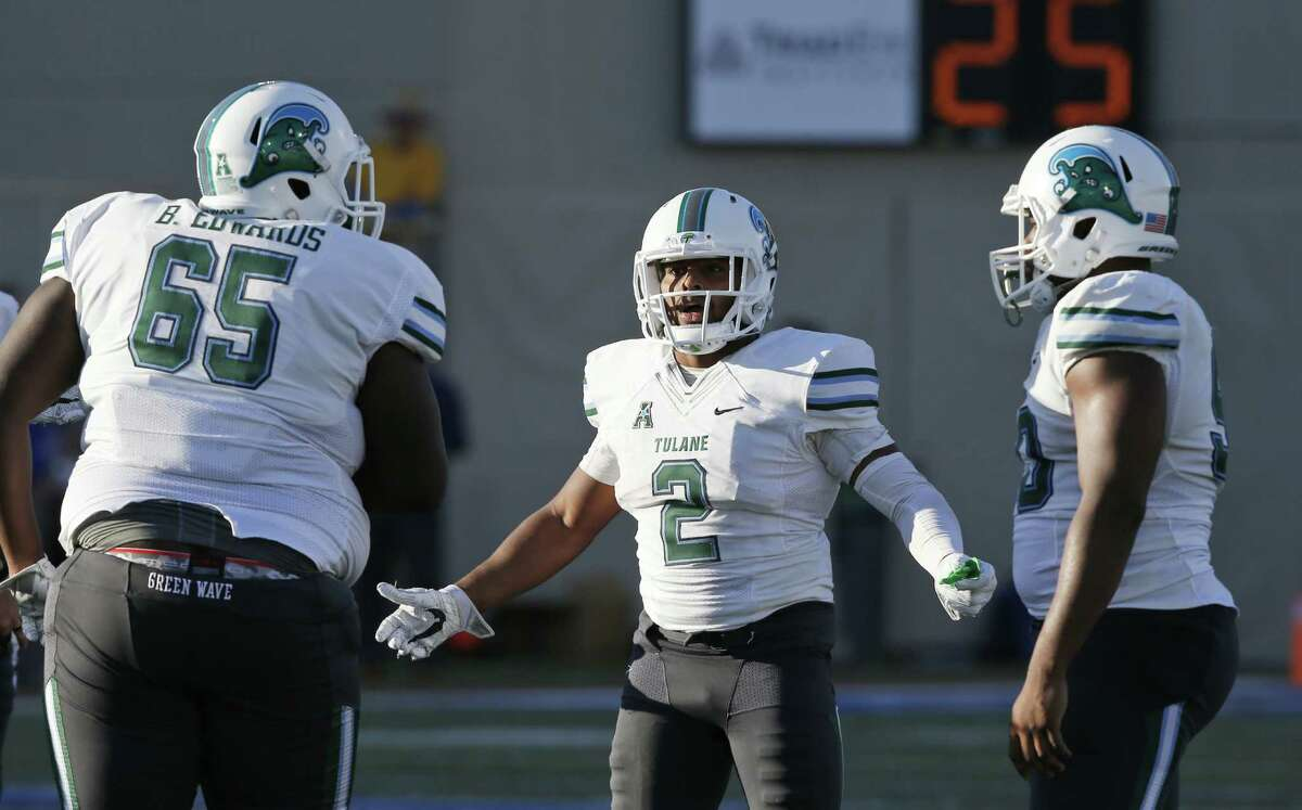 AAC POWER RANKINGS 12. Tulane (3-8, 0-7 AAC) In a season full of sluggish performances on offense, Tulane registered maybe its worst performance of the season in last week's 31-0 loss to Temple. The Green Wave only managed 142 yards of total offense and only had eight first downs the entire day. Tulane closes the season out with week against UConn and its inability to score may not be as big of an issue with the matchups between the schools from the past two seasons only garnering a combined 25 points. - Will Guillory, The Times-Picayune