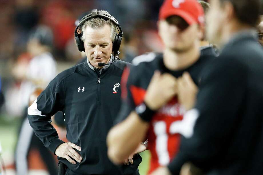 Cincinnati head coach Tommy Tuberville works the sidelines in the first half of an NCAA college football game against Memphis, Friday, Nov. 18, 2016, in Cincinnati. (AP Photo/John Minchillo) Photo: John Minchillo, Associated Press / AP