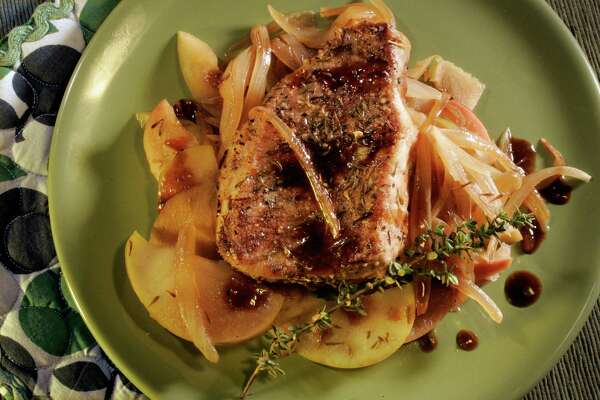 Pork Chops with apple relish