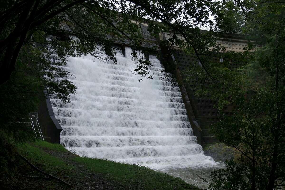 A view of Alpine dam.