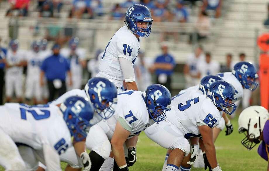 Somerset's Zadock Dinkelmann calls a play against Brackenridge Friday Aug. 26, 2016 at SAISD Complex. Somerset won 20-19. Photo: Edward A. Ornelas, Staff / San Antonio Express-News / © 2016 San Antonio Express-News