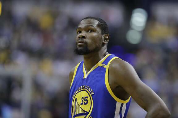 Golden State Warriors' Kevin Durant in action during the second half of an NBA basketball game against the Indiana Pacers, Monday, Nov. 21, 2016, in Indianapolis. Golden State defeated Indiana 120-83. (AP Photo/Darron Cummings)