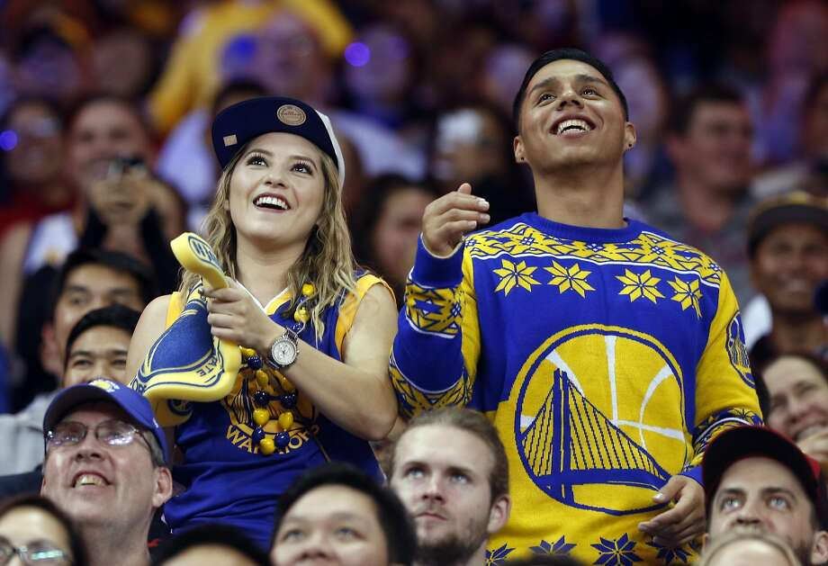 Golden State Warriors' fans enjoy 149-106 win over Los Angeles Lakers during NBA game at Oracle Arena in Oakland, Calif., on Wednesday, November 23, 2016. Photo: Scott Strazzante, The Chronicle