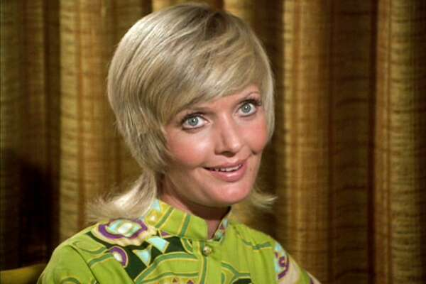 """LOS ANGELES - SEPTEMBER 29: Florence Henderson as Carol Brady in THE BRADY BUNCH episode, """"Pass The Tabu.""""  Original air date September 29, 1972.    Image is a screen grab.  (Photo by CBS via Getty Images)"""