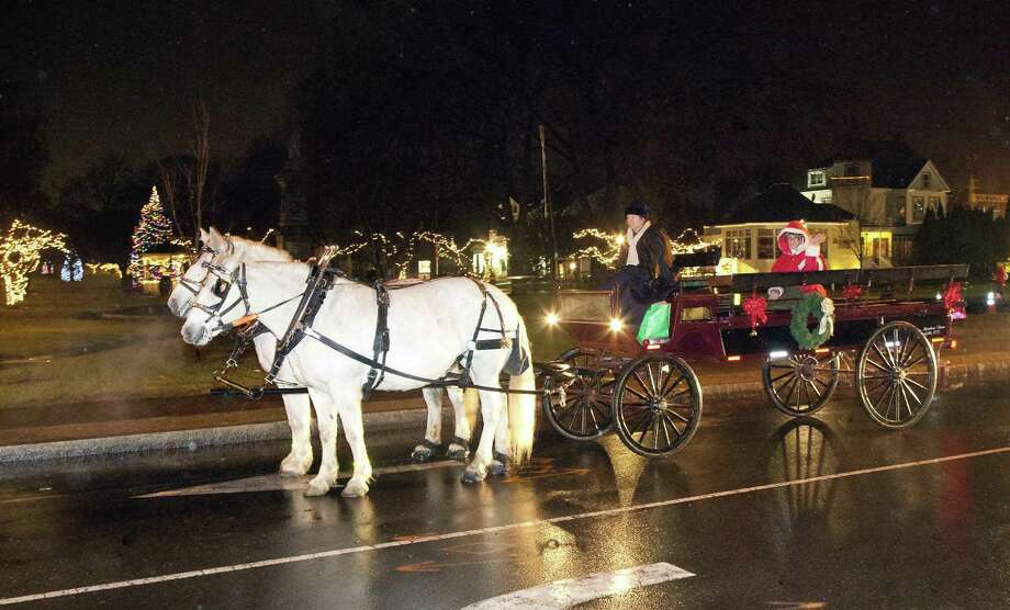 The 15th annual Downtown Milford Lamplight Stroll will take place Friday, Dec., 2, 2016, from 5 to 9 p.m. Photo: Contributed Photo / Contributed Photo / Connecticut Post Contributed