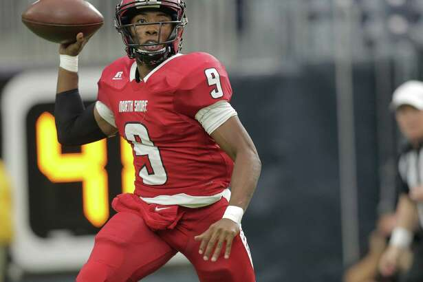 North Shore's quarterback Bryant Badie (9) passes the ball during gClass 6A, Division I region against Katy (10-2) at NRG Stadium on Friday, Nov. 25, 2016, in Houston.