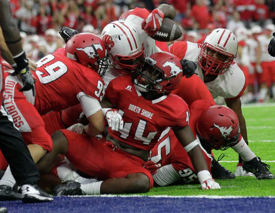 The most memorable high school games of the 2016-17 school year:Katy vs. North Shore football (The goal line stand)These powerhouses have history, including a four-game series to open the 2008-11 seasons. But Katy and North Shore, despite 10 combined state titles, never met the year both won championships or the year after - until 2016.The collision course came in the third round of the playoffs. After North Shore went up 20-17 with five minutes left, Katy marched down the field and reached the Mustangs' 7. Four times the offense tried to punch it in and four times North Shore held, including a fourth and goal from the 1. Photo: Elizabeth Conley, Houston Chronicle / © 2016 Houston Chronicle