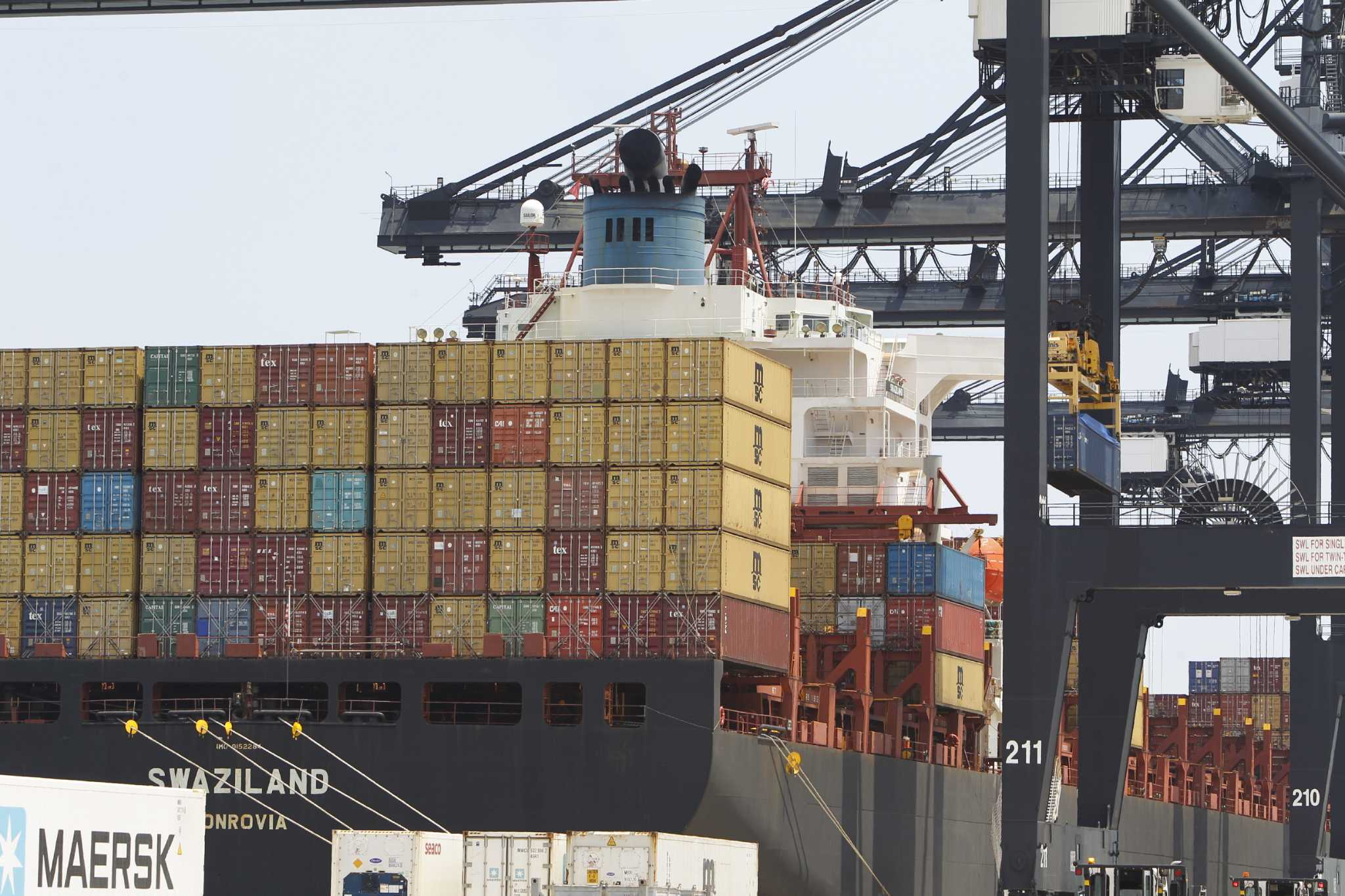 Rising dollar weighs on Houston's oil complex, exports at