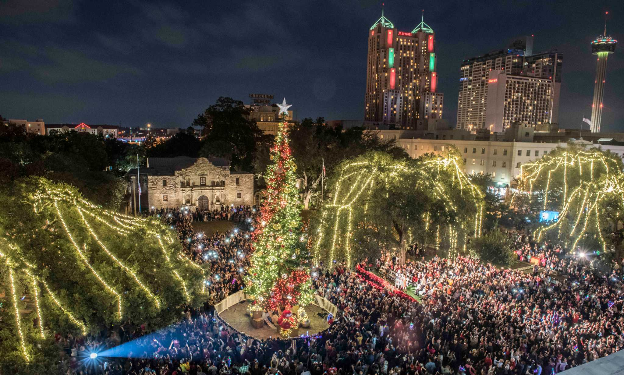 Ford Holiday River Parade 2016 San Antonio Express News