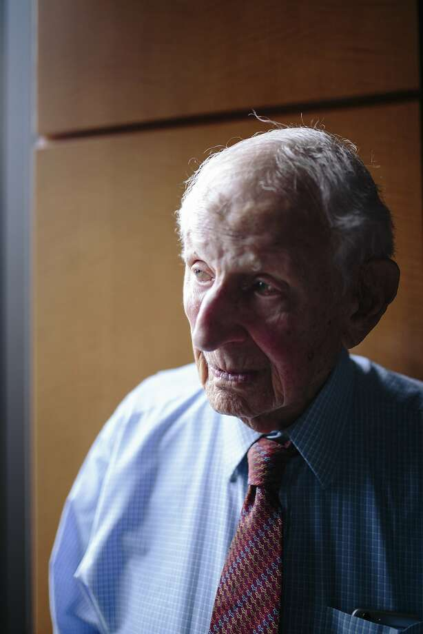 Robert Morgenthau, the Manhattan district attorney from 1975 to 2009, in his law office in New York, Oct. 24, 2016. (Ramsay de Give/The New York Times) Photo: RAMSAY DE GIVE, NYT
