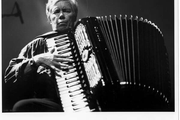 Photo of musician Pauline Oliveros Credit: Peter Kiers