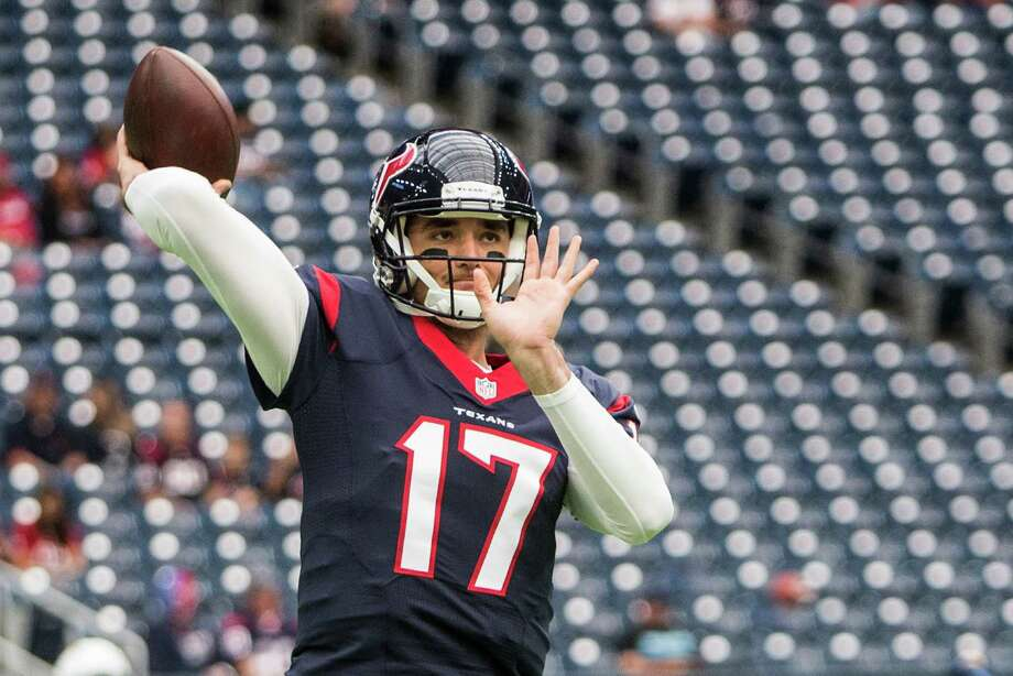 Houston Texans quarterback Brock Osweiler warms up before an NFL football game against the San Diego Chargers at NRG Stadium on Sunday, Nov. 27, 2016, in Houston. Photo: Brett Coomer, Houston Chronicle / © 2016 Houston Chronicle