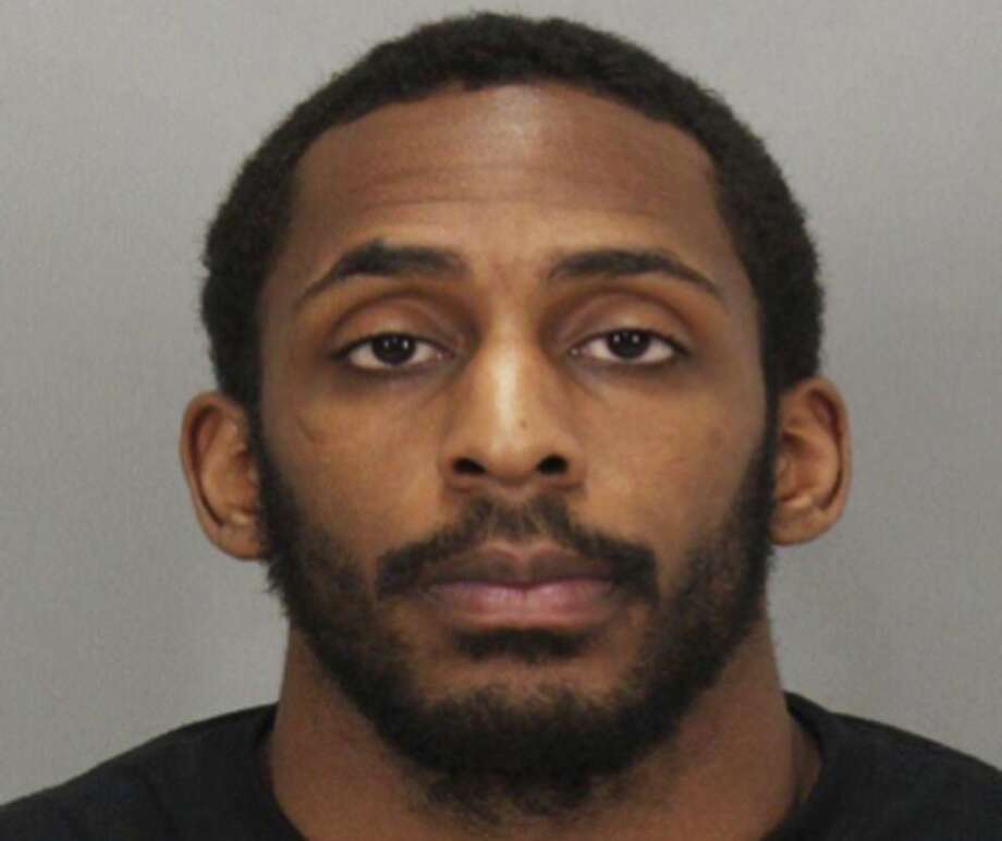 RETRANSMISSION TO CORRECT SPELLING OF NAME TO LARON - This photo provided by the Santa Clara County Sheriff�s Office shows Laron Campbell. Four inmates escaped from a California jail, on Wednesday, Nov. 23, 2016, the Santa Clara County Sheriff's office said Thursday. Two of the men were recaptured just outside the jail after the nighttime escape, but the other two, Rogelio Chavez and Campbell, remained on the lam early Thursday, authorities said. (Santa Clara County Sheriff�s Office via AP) Photo: Associated Press