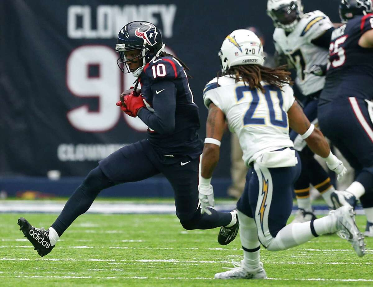 Wide receiver/tight end DeAndre Hopkins (above) and Will Fuller combined for nine catches and 130 yards. Tight ends C.J. Fiedorowicz and Ryan Griffin combined for eight receptions and 78 yards. The receivers and tight ends didn't have a touchdown catch. Grade: C