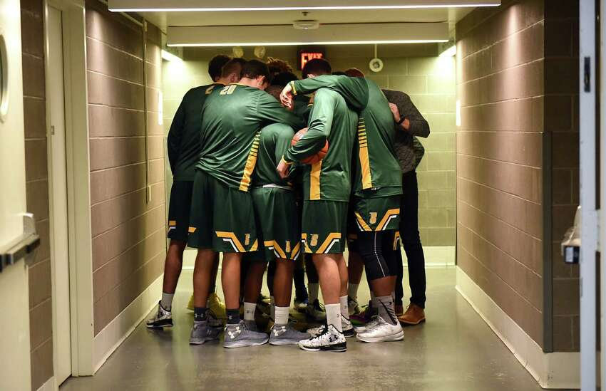 Siena gets ready to hit the court before the Albany Cup basketball game against UAlbany at UAlbany on Sunday, Nov. 27, 2016 in Albany, N.Y. (Lori Van Buren / Times Union)