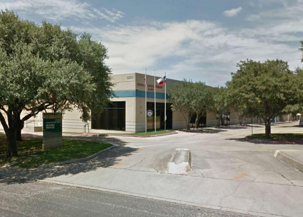 28. School of Science & Technology-Alamo:School of Science & Technology 419 students, student-teacher ratio 15:1 Overall: A-Academics: A-Teachers: B+Diversity: A