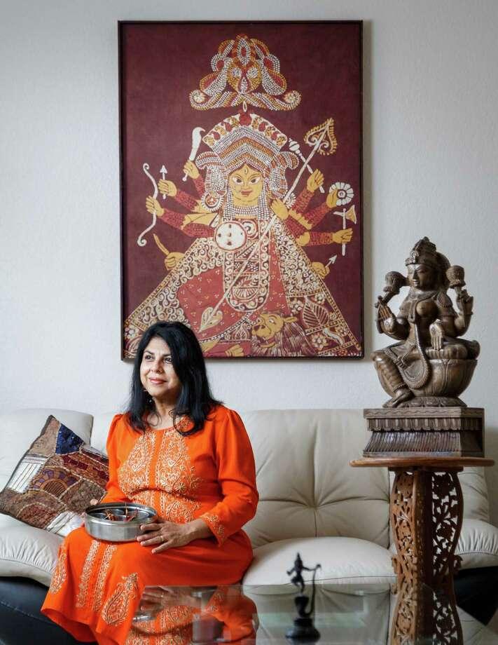 Award-winning author and poet Chitra Divakaruni teaches at the University of Houston. Photo: Michael Paulsen, Staff / © 2014 Houston Chronicle
