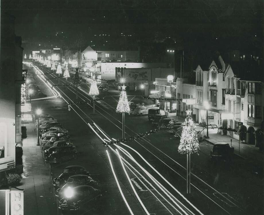 Christmas glitter -in the West Portal District in 1950. And, no, this still isn't a hint to an answer. Photo: Gordon Peters, San Francisco Chronicle