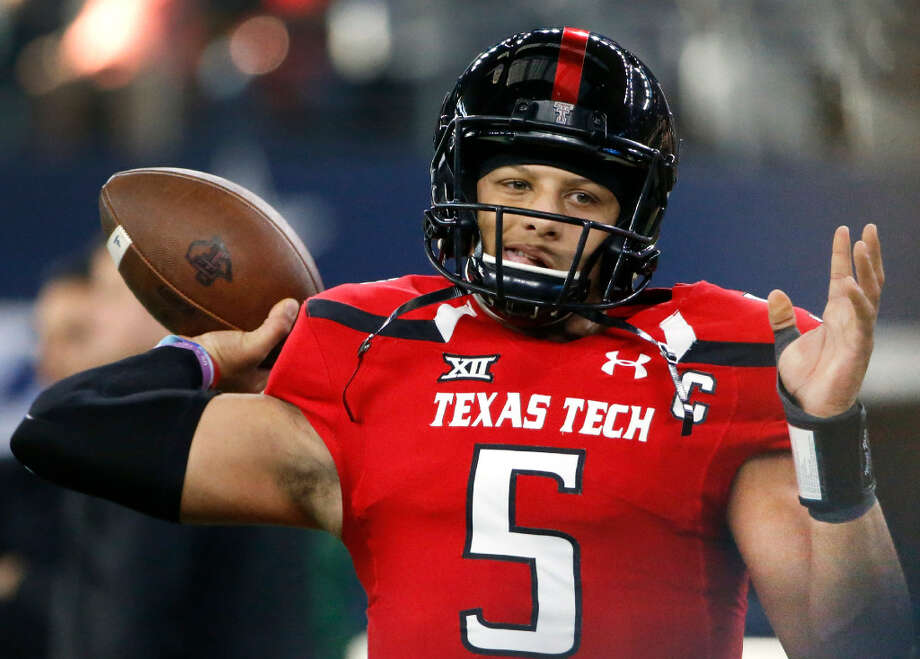 Texas Tech quarterback Patrick Mahomes II (5) throws before Tech plays Baylor in an NCAA college football game Friday, Nov. 25, 2016, in Arlington, Texas. (AP Photo/Ron Jenkins)