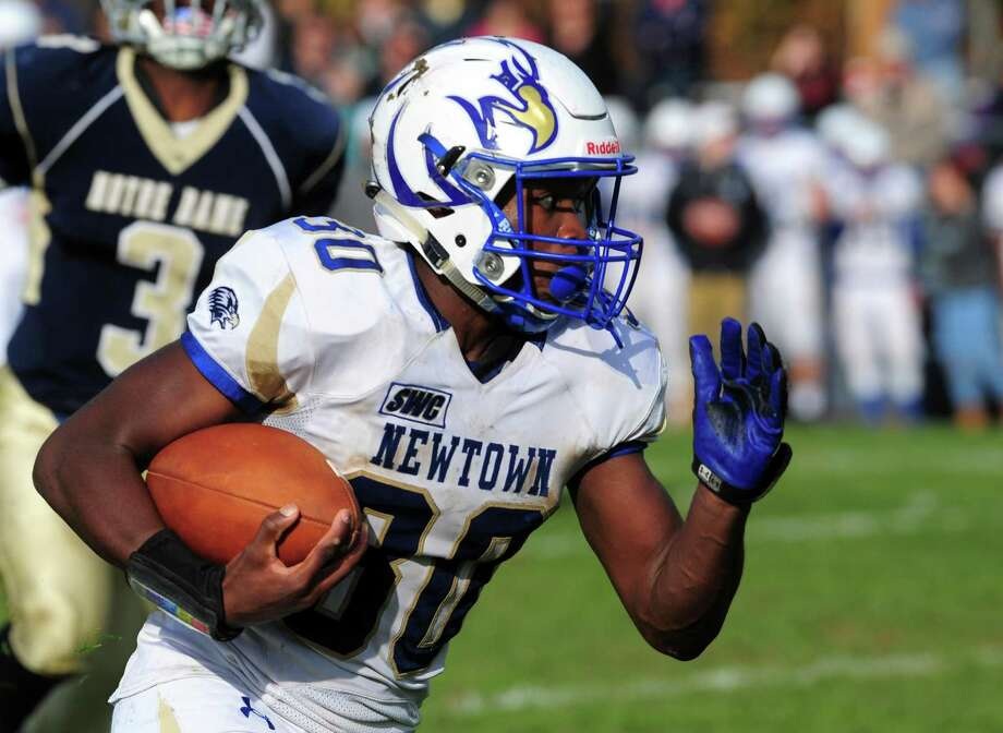 Football action between Notre Dame of Fairfield and Newtown in Fairfield, Conn. on Saturday Nov. 5, 2016. Photo: Christian Abraham / Hearst Connecticut Media / Connecticut Post
