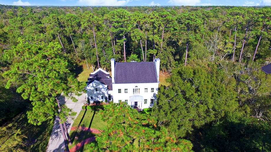 This Charleston-inspired home was recently listed for sale at 903 Quaker Bend, in the center of Friendswood. Photo: O'Connell Yarbrough Properties