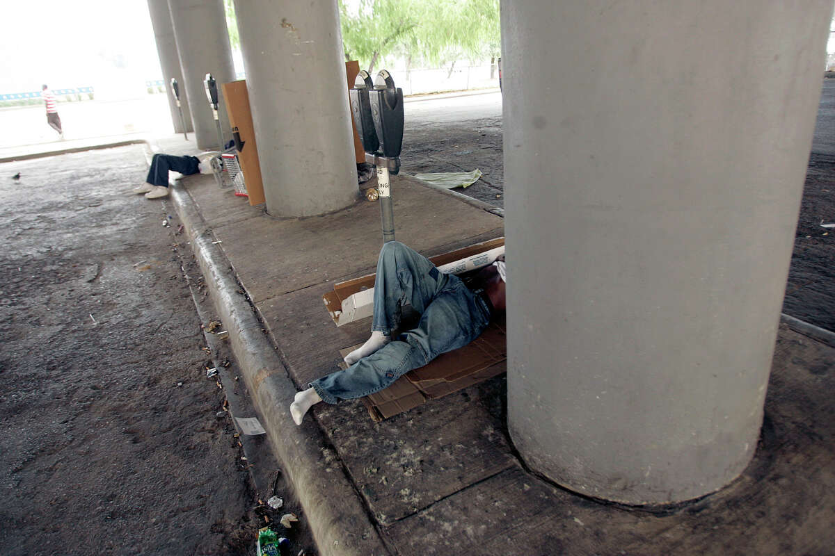 It's still too early to know what the effects of the oil bust will have on the number of homeless in Houston, where rents have risen sharply in recent years. (MIKE KANE/STAFF)