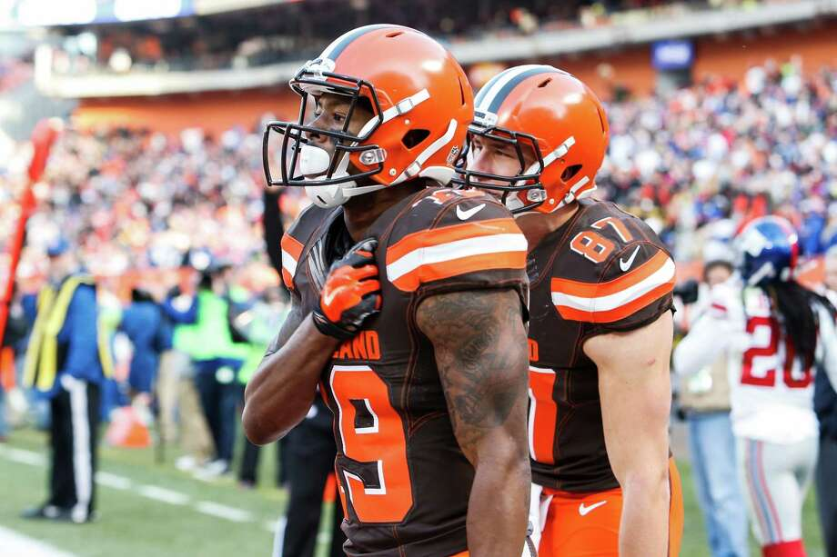 32. Cleveland 0-12 | Last week: 32Losing to the Giants saddled the Browns with a 12th consecutive loss. Over their last two seasons, they have a 1-22 record. Photo: Ron Schwane, Associated Press / AP