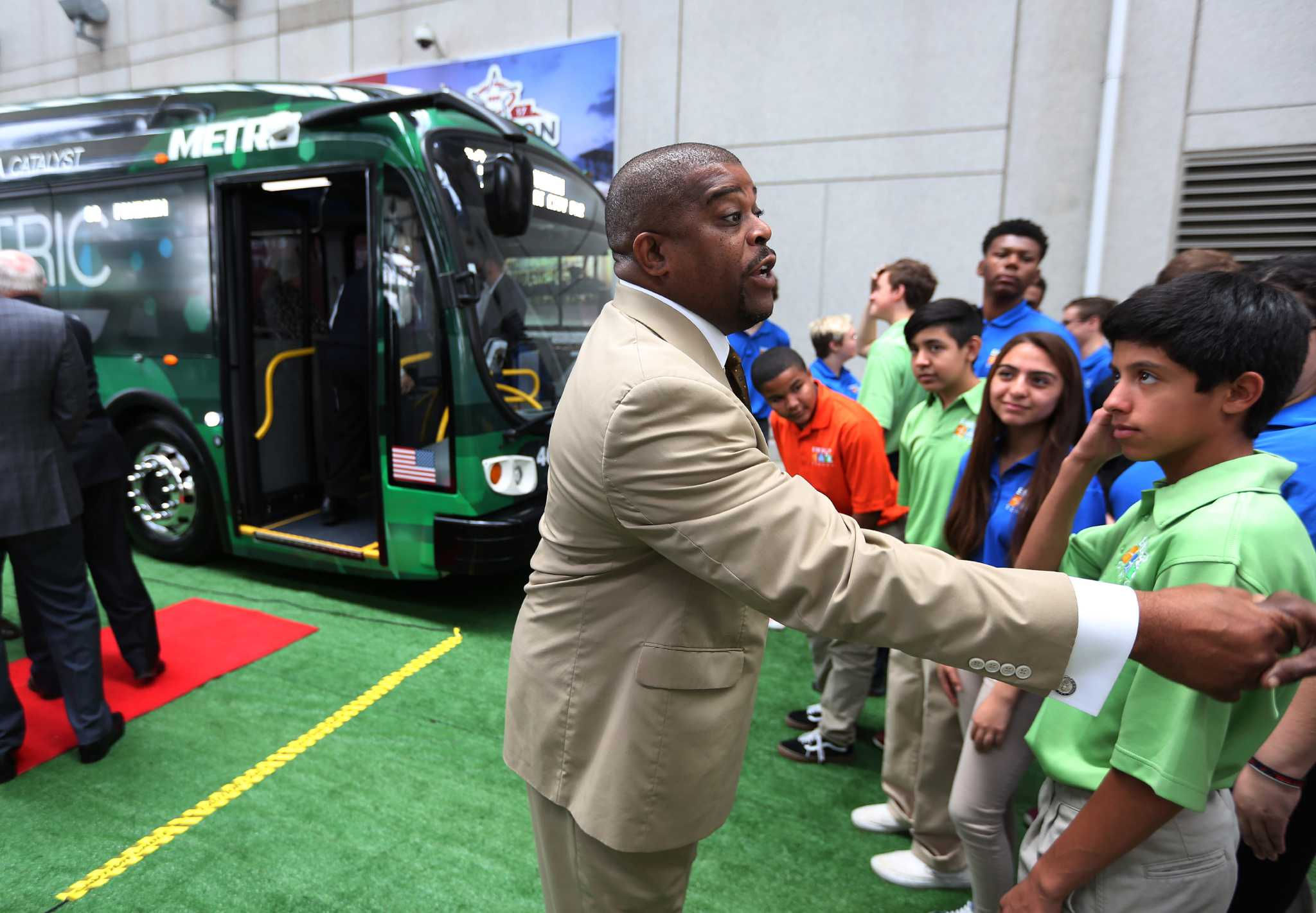 Metro To Introduce Electric Bus In Move Cut Pollution