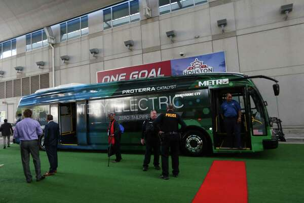 Metro to introduce electric bus in move to cut pollution