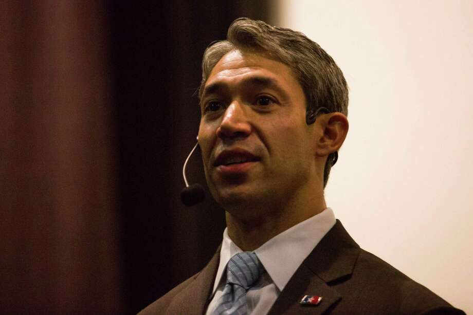 Councilman Ron Nirenberg seen in November,announced Saturday that he would be challenging incumbent Ivy Taylor for San Antonio mayor. Photo: Ray Whitehouse, Photographer / For The San Antonio Express-News / B641346322Z.1
