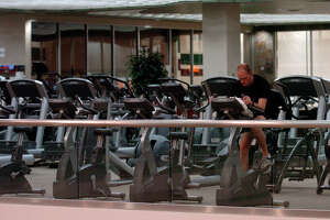 Life Time Fitness violated wage laws, federal officials said.