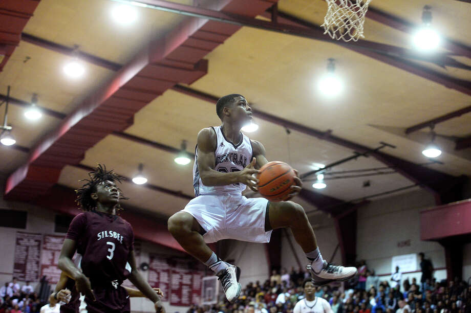 Central's Anthony Green drives for a layup against Silsbee on Tuesday evening.  Photo taken Tuesday 11/29/16 Ryan Pelham/The Enterprise Photo: Ryan Pelham / ©2016 The Beaumont Enterprise/Ryan Pelham