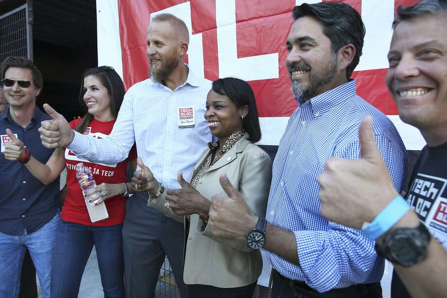 In this file photo, Mayor Ivy Taylor offers a thumbs up as she meets UTech Bloc board members at 1221 Broadway to celebrate recent positive developments for Uber on October 13, 2015. From left are David Heard, Marina Alderete Gavito, Brad Parscale, Mayor Tayor, Robert Trevino and Lew Moorman. Photo: Tom Reel /San Antonio Express-News
