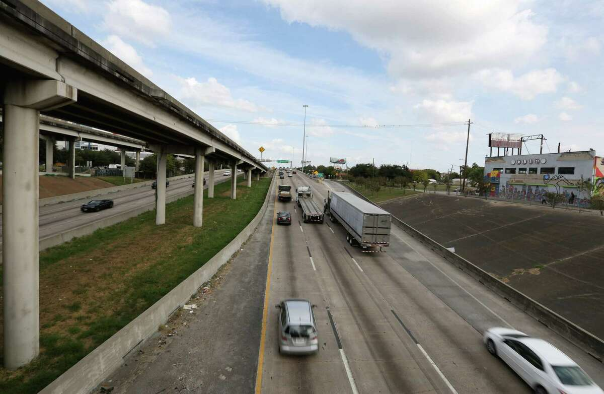 Traffic going on the Northbound lane of Interstate 45 is seen from the Bell Street bridge on Nov. 4. Both northbound and southbound lanes of the freeway will be closed between Interstate 10 and U.S. 59 start from 9 p.m. on Friday, and the freeway is expected to reopen by 5 a.m. Monday.