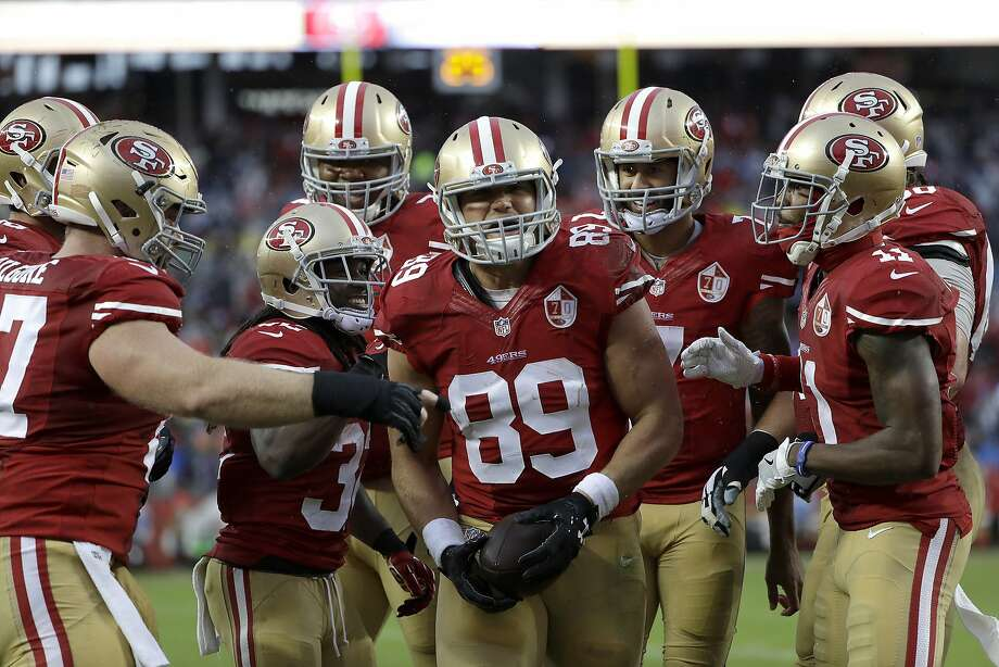San Francisco 49ers tight end Vance McDonald (89) celebrates after scoring a touchdown against the New England Patriots during the first half of an NFL football game in Santa Clara, Calif., Sunday, Nov. 20, 2016. (AP Photo/Marcio Jose Sanchez) Photo: Marcio Jose Sanchez, Associated Press