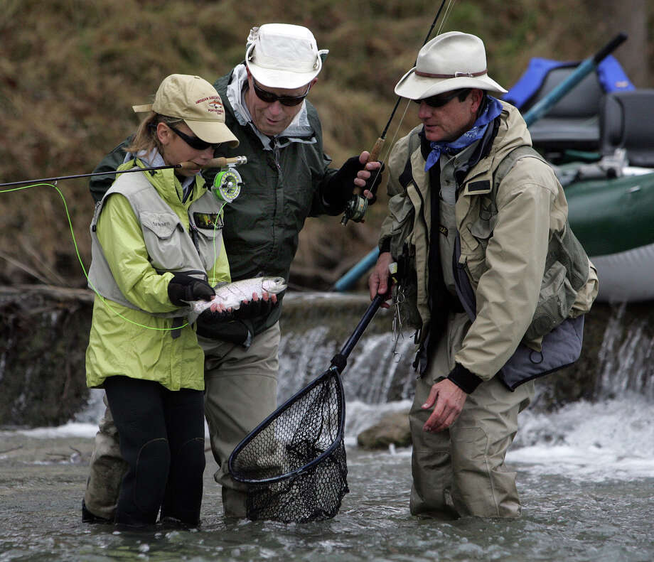 Anglers targeting stocked rainbow trout in the Guadalupe River below Canyon Lake will have four new public access points thanks to lease agreements between streamside landowners and TPWD. Photo: San Antonio Express-News, STAFF / SAN ANTONIO EXPRESS-NEWS