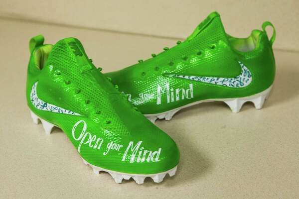 design your own football cleats