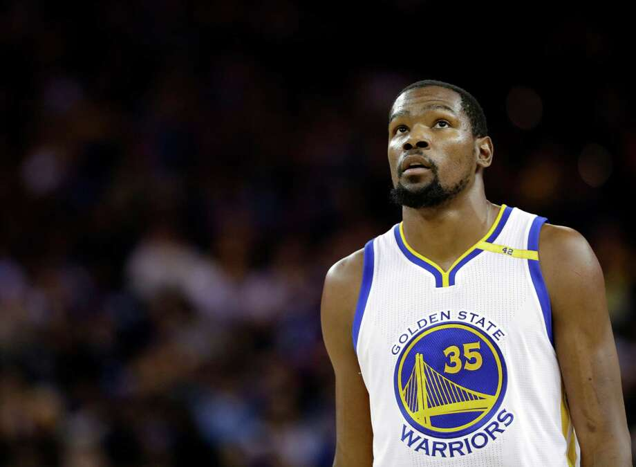 Golden State Warriors' Kevin Durant (35) during an NBA basketball game against the Atlanta Hawks Monday, Nov. 28, 2016, in Oakland, Calif. (AP Photo/Marcio Jose Sanchez) Photo: Marcio Jose Sanchez, STF / Copyright 2016 The Associated Press. All rights reserved.