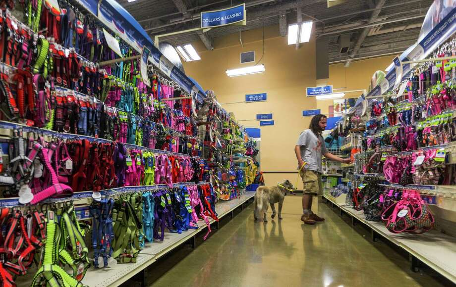 PetSmart has about 1,500 stores in the U.S., Canada and Puerto Rico. Photo: Damian Dovarganes, AP / Damian Dovarganes