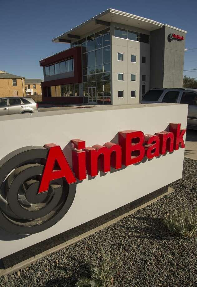 AimBank at 1111 W. Wall. Wednesday 11-30-16  Tim Fischer/Reporter-Telegram Photo: Tim Fischer/Midland Reporter-Telegram