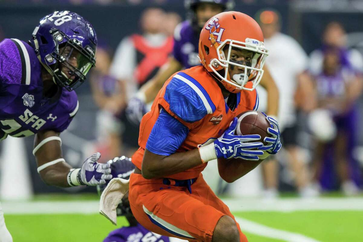 Sam Houston State wideout Nathan Stewart (18) catches a pass near the goalline in the Battle of the Piney Woods, NCAA Football Championship Subdivision football game at NRG Stadium on Saturday, October 1, 2016, in Houston. (Joe Buvid / For the Houston Chronicle)