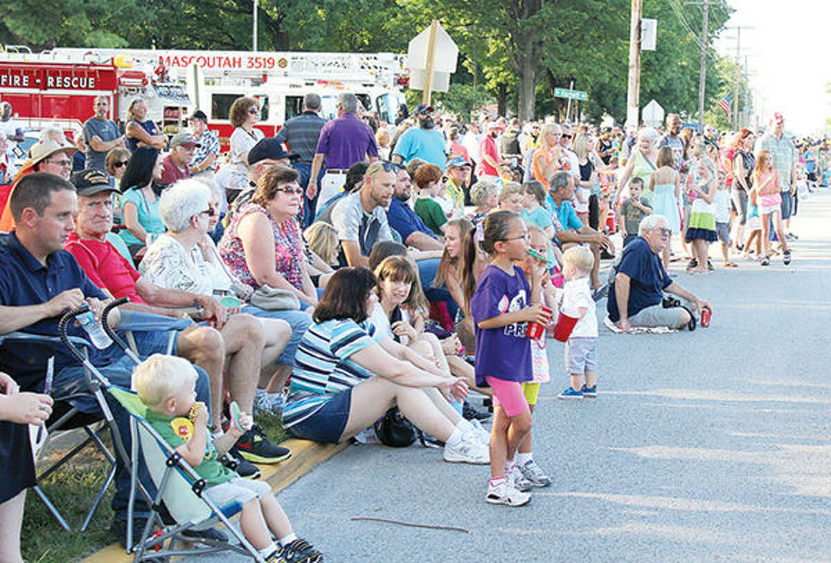 A crowd gathers for a previous Mascoutah Homecoming Parade.