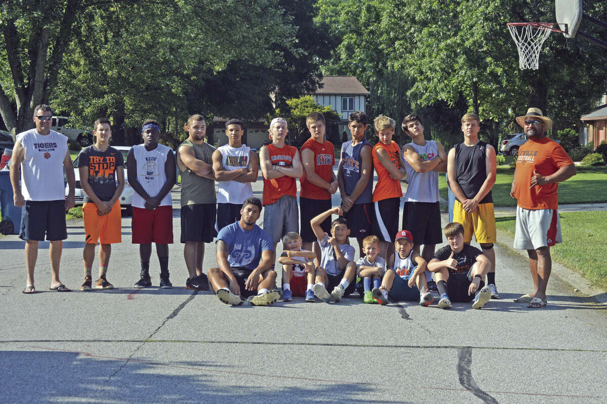 Sixteen kids participated in Eppy Epenesa's backyard workout.