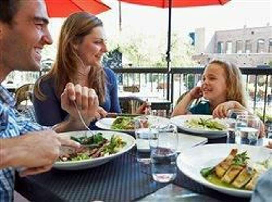 Healthy eating tips for kids when dining out